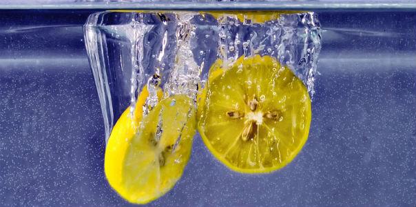 Поможет ли вода с лимоном похудеть