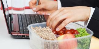 4 способа быстро похудеть на работе