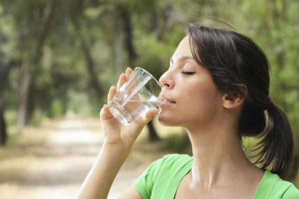 Советы, которые помогут приучиться пить больше воды