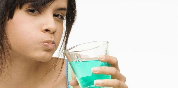 Полоскание рта кунжутным маслом