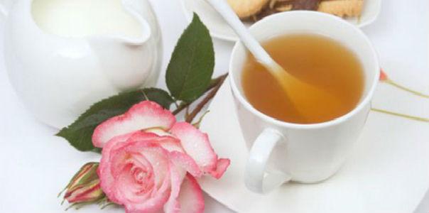 Чем полезен зеленый чай с молоком?