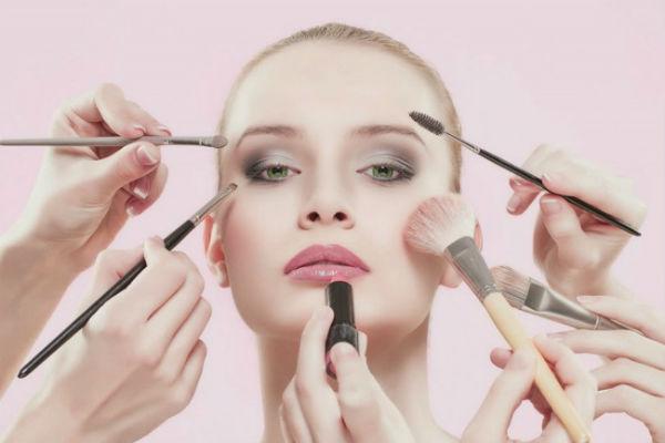 10 крутых косметических трюков, которые сэкономят ваше время