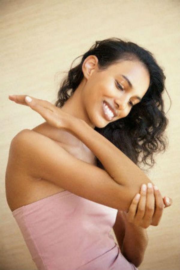 16 чудотворных свойств вазелина